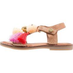 Gioseppo Sandały oro. Żółte sandały chłopięce Gioseppo, z materiału. Za 259,00 zł.