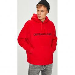 Calvin Klein Jeans - Bluza. Czerwone bluzy męskie rozpinane marki Calvin Klein Jeans, l, z nadrukiem, z bawełny, z kapturem. Za 579,90 zł.