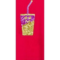 Trendyol - Top dziecięcy 98-128 cm. Czerwone bluzki dziewczęce bawełniane Trendyol, z aplikacjami, z okrągłym kołnierzem, z krótkim rękawem. W wyprzedaży za 39,90 zł.