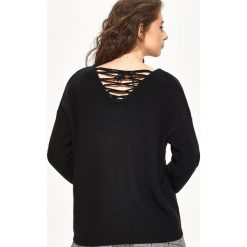 Swetry klasyczne damskie: Sweter z wiązaniem na plecach – Czarny