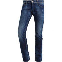 Le Temps Des Cerises Jeansy Slim Fit blue. Niebieskie boyfriendy damskie Le Temps Des Cerises, z bawełny. W wyprzedaży za 375,20 zł.