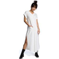 Ecru Wyjściowa Długa Sukienka z Rozcięciami na Bokach. Szare długie sukienki marki Molly.pl, na imprezę, l, z dzianiny, wizytowe, dekolt w kształcie v, z długim rękawem, oversize. Za 158,90 zł.