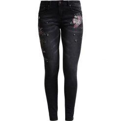 Cartoon Jeans Skinny Fit black denim. Czarne boyfriendy damskie Cartoon. W wyprzedaży za 314,25 zł.