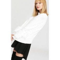 Biały Sweter Highs And Lows. Zielone swetry klasyczne damskie marki other, l, prążkowane. Za 99,99 zł.