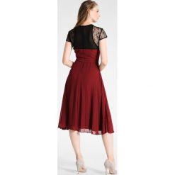 Sukienki hiszpanki: Gaudi Sukienka koktajlowa cabernet black/bordeaux