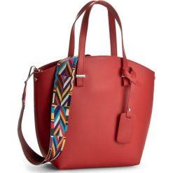 Torebka CREOLE - K10360 Czerwony. Czerwone torebki klasyczne damskie Creole, ze skóry, duże. W wyprzedaży za 239,00 zł.