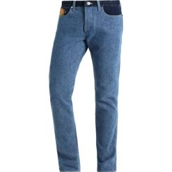 Wrangler by Peter Max RETRO  Jeansy Straight Leg blue mix. Niebieskie jeansy męskie marki Tiffosi. Za 759,00 zł.