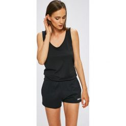 Calvin Klein Jeans - Kombinezon. Czarne kombinezony damskie Calvin Klein Jeans, l, z bawełny, z okrągłym kołnierzem, na ramiączkach. W wyprzedaży za 249,90 zł.