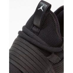 Jordan TRAINER PRO Obuwie do koszykówki black/gym red. Czarne buty sportowe męskie Jordan, z materiału. Za 339,00 zł.