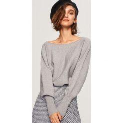 Sweter z dekoltem z tyłu - Jasny szar. Szare swetry klasyczne damskie Reserved, l. Za 69,99 zł.
