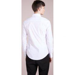 Emporio Armani Koszula biznesowa white. Niebieskie koszule męskie marki Emporio Armani, m, ze lnu. Za 629,00 zł.