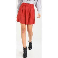 Minispódniczki: Moves KIA Spódnica trapezowa mineral red