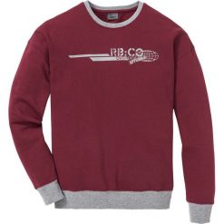 Bluza z opuszczanymi ramionami Regular Fit bonprix bordowy. Czerwone bejsbolówki męskie bonprix, l, z nadrukiem. Za 74,99 zł.
