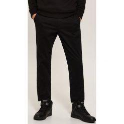 Chinosy męskie: Spodnie typu CHINO - Czarny