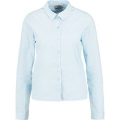 Koszule wiązane damskie: Vero Moda VMFRAYA FLOUNCE Koszula cashmere blue