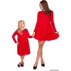 LATORI - Sukienka z kolekcji Mama i córka LD20. Czerwone sukienki dziewczęce dzianinowe Pakamera, w koronkowe wzory, eleganckie. Za 69,00 zł.