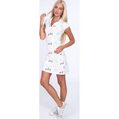 Sukienka polo w motylki kremowa 7690. Białe sukienki marki Fasardi, xl, polo, oversize. Za 59,00 zł.
