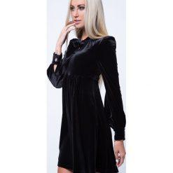 Sukienka odcinana czarna ALZ3101. Czarne sukienki Fasardi, l. Za 127,20 zł.