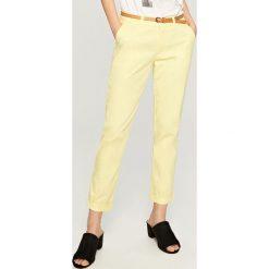 Chinosy męskie: Spodnie chino – Żółty