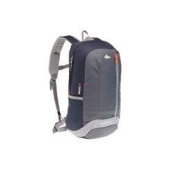 Plecak turystyczny NH100 20 l. Szare plecaki męskie marki QUECHUA, z materiału. Za 29,99 zł.