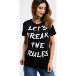 Czarny t-shirt z napisem 3422. Czarne t-shirty damskie Fasardi, m, z napisami. Za 29,00 zł.