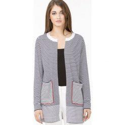 Swetry klasyczne damskie: Prążkowany sweter z wolnymi połami