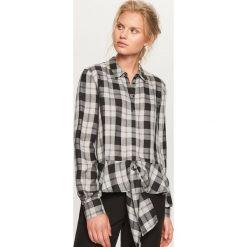 Koszula w kratę - Czarny. Czarne koszule damskie marki Reserved. W wyprzedaży za 39,99 zł.