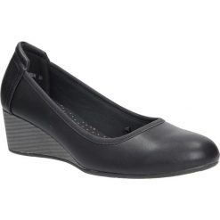 Czarne półbuty na koturnie Vinceza DP05/16BK. Czarne buty ślubne damskie marki Vinceza, na koturnie. Za 48,99 zł.