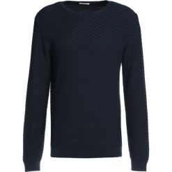 Swetry klasyczne męskie: Knowledge Cotton Apparel CHECK ROUND NECK  Sweter total eclipse