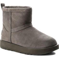 Buty UGG - W Classic Mini Waterproof 1019643 W/Mtl. Szare buty zimowe damskie Ugg, ze skóry, na niskim obcasie. Za 819,00 zł.