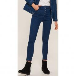 Jeansy high waist skinny - Granatowy. Niebieskie boyfriendy damskie House, z jeansu, z podwyższonym stanem. Za 89,99 zł.