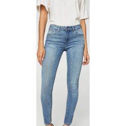 Mango - Jeansy Kim2. Niebieskie jeansy damskie marki Mango. W wyprzedaży za 79,90 zł.