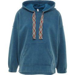 Free People CHILL OUT Bluza z kapturem blue. Niebieskie bluzy rozpinane damskie Free People, m, z bawełny, z kapturem. Za 369,00 zł.
