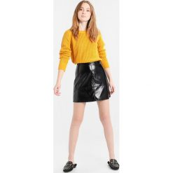 Swetry klasyczne damskie: ICHI SUMI Sweter jurassic gold
