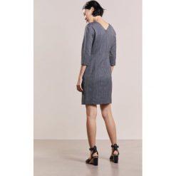 MAX&Co. CALAMAIO Sukienka etui anthracite. Czerwone sukienki marki MAX&Co., m, z elastanu. W wyprzedaży za 743,20 zł.