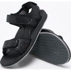 New Balance - Sandały Recharge. Czarne sandały męskie skórzane marki New Balance. W wyprzedaży za 149,90 zł.