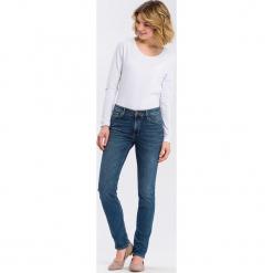 """Dżinsy """"Anya"""" - Slim fit - w kolorze niebieskim. Niebieskie spodnie z wysokim stanem marki Cross Jeans, z aplikacjami. W wyprzedaży za 136,95 zł."""