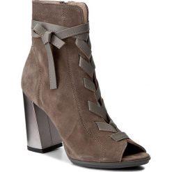 Botki KARINO - 2047/002-P Brązowy. Fioletowe buty zimowe damskie marki Karino, ze skóry. W wyprzedaży za 199,00 zł.
