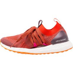 Buty do biegania damskie: adidas by Stella McCartney ULTRA BOOST X Obuwie do biegania treningowe clay red/radiant orange/aprros