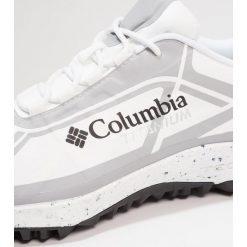 Columbia CONSPIRACY III TITANIUM OUTDRY XTRM ECO Obuwie hikingowe white. Białe buty skate męskie Columbia, z gumy, outdoorowe. W wyprzedaży za 503,20 zł.