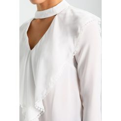 Bluzki asymetryczne: Endless Rose LONG SLEEVE BLOUSE WITH CASCADING RUFFLES Bluzka off white