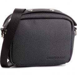 Torebka CALVIN KLEIN JEANS - Logo Banner Camera Bag K40K400807 001. Czarne torebki klasyczne damskie Calvin Klein Jeans, z jeansu. Za 299,00 zł.