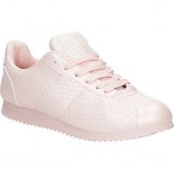 Różowe buty sportowe sznurowane Casu 87-3A. Czarne buty sportowe damskie marki Casu. Za 59,99 zł.