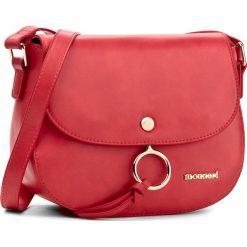 Torebka MONNARI - BAG1800-005 Red. Czerwone listonoszki damskie Monnari, ze skóry ekologicznej. W wyprzedaży za 129,00 zł.
