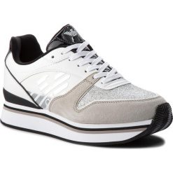 Sneakersy EMPORIO ARMANI - X3X046 XL214 F007 Plaster/White. Szare sneakersy damskie marki Emporio Armani, l, z nadrukiem, z bawełny, z okrągłym kołnierzem. W wyprzedaży za 539,00 zł.