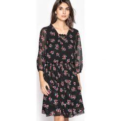 Sukienki: Rozkloszowana wzorzysta sukienka z lejącego materiału