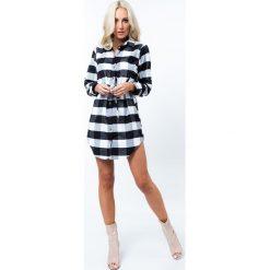 Sukienka zapinana na guziki w kratkę czarno-białą 2492. Białe sukienki na komunię Fasardi, l, w kratkę. Za 79,00 zł.