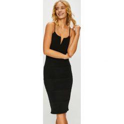 Haily's - Sukienka. Czarne sukienki dzianinowe marki Haily's, na co dzień, l, casualowe, midi, dopasowane. Za 169,90 zł.