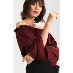 Bluzki asymetryczne: Dorothy Perkins FRILL EDGE FLUTE SLEEVE BARDOT Bluzka wine