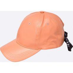 Missguided - Czapka. Różowe czapki z daszkiem damskie marki Missguided, z materiału. W wyprzedaży za 24,90 zł.